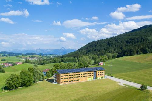 Hotel Pictures: Explorer Hotel Neuschwanstein, Nesselwang