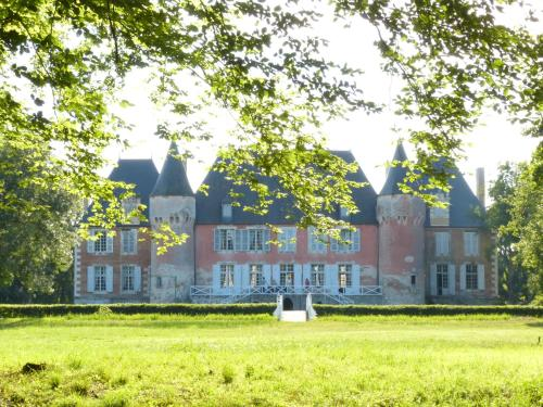 Hotel Pictures: , Souesmes