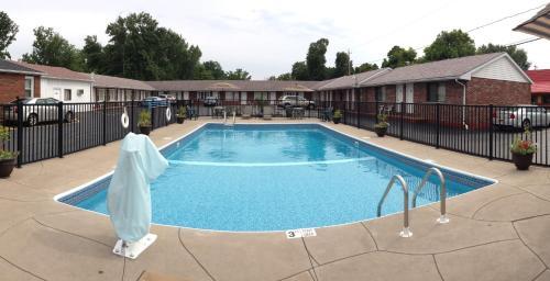 Moonlite Motel