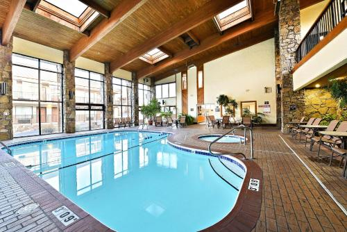 Best Western Center Pointe Inn - Branson