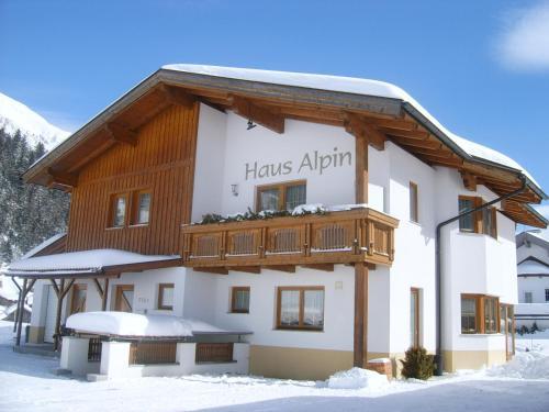 Hotellikuvia: Haus Alpin Apartments, Pettneu am Arlberg