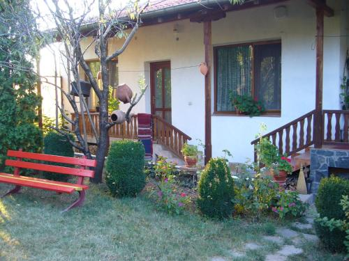 Foto Hotel: Guest House With The Wooden Plough, Arbanasi