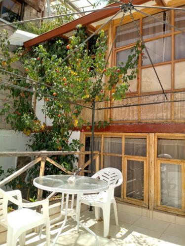 Uma varanda ou terraço em Casa De Mama Cusco - The Treehouse