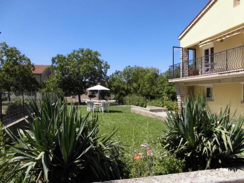 Hotel Pictures: , Châtillon-en-Diois