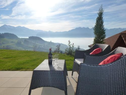 Hotel Pictures: Panorama Lodge Goldiwil, Goldiwil