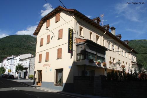 Hotel Pictures: , Vilaller