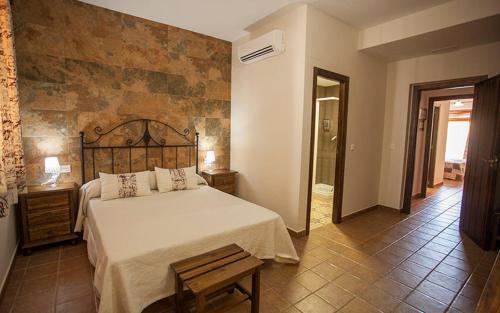 Hotel Pictures: Casa Rural Cinco Balcones, Aracena
