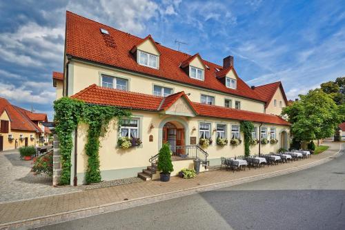 Hotel Pictures: , Adelsdorf