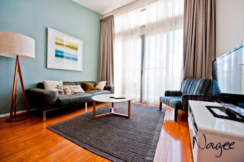 Hotellbilder: LJ Hooker Manuka Prestige Accommodation, Canberra