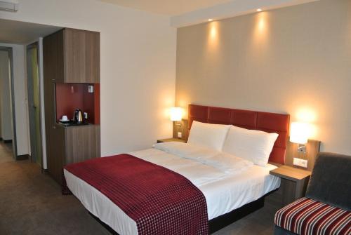Hotel Pictures: Land-gut-Hotel zur Krone, Gescher