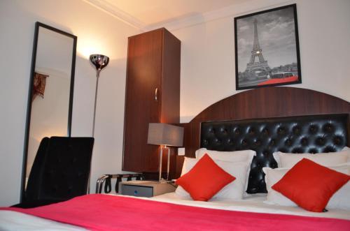 place charles dullin turismo saint ouen viamichelin. Black Bedroom Furniture Sets. Home Design Ideas