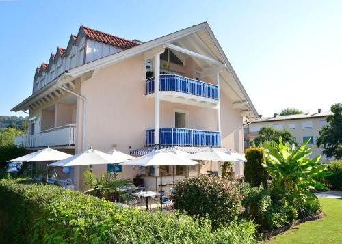 Fotografie hotelů: Happy House - Das fröhliche Urlaubszuhause, Krumpendorf am Wörthersee