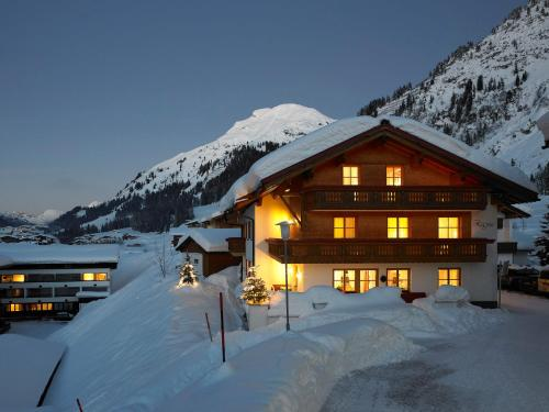 Hotelbilleder: Pension Regina, Lech am Arlberg