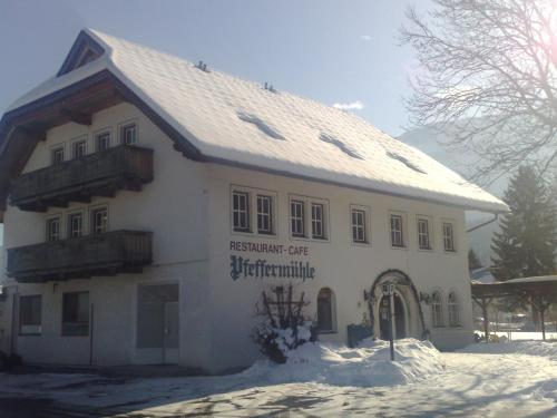 Hotellikuvia: Apartment Pfeffermühle, Kötschach