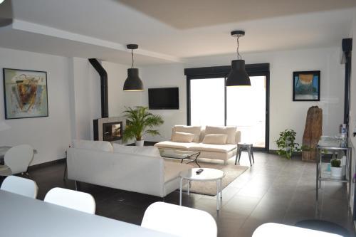 Hotel Pictures: Maison Cachée, Cuxac-d'Aude