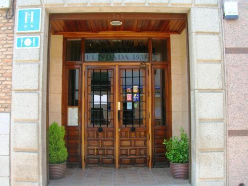 Hotel Pictures: , Los Yébenes