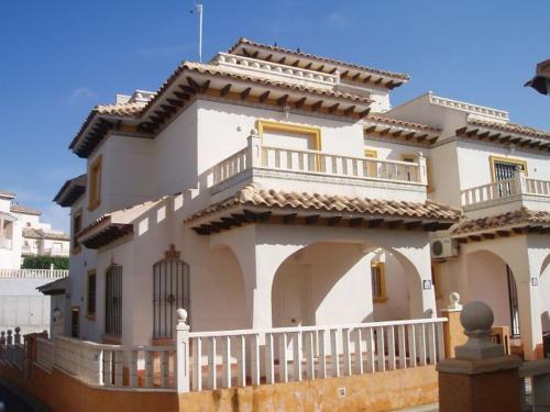 Hotel Pictures: Playa Golf Villas, Campoamor
