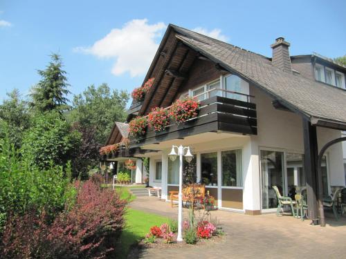 Hotel Pictures: Pension Kuhlmann, Lennestadt
