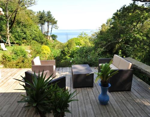 Hotel Pictures: , Poullan-sur-Mer