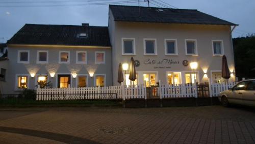 Hotel Pictures: Hotel Café del Maar, Schalkenmehren