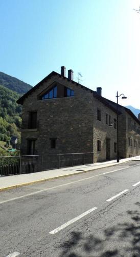 Hotel Pictures: Apartamentos Solans, Bielsa