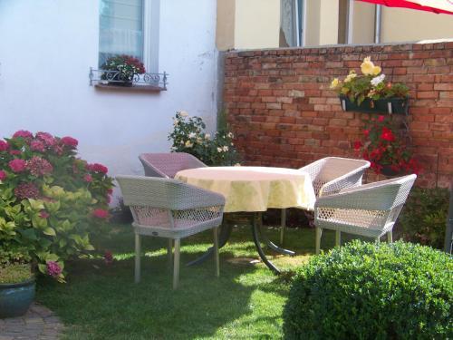 Hotel Pictures: Ferienwohnung Haus Leonore, Stendal