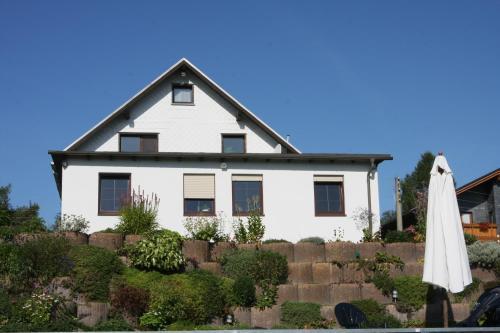 Hotel Pictures: Ferienwohnung Hauptmann, Frauenwald