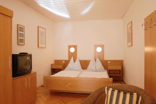 Hotel Pictures: Madar Café Central Melk, Melk