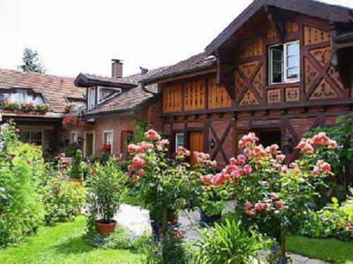 Hotel Pictures: Hotel zur Krone, Auggen