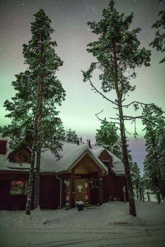 Hotel Pictures: Torassieppi Reindeer Farm and Cottages, Särkijärvi