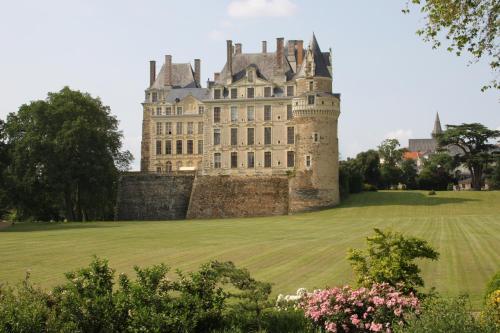 Hotel Pictures: , Brissac-Quincé