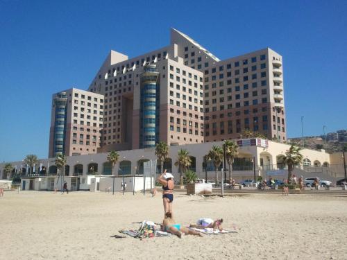 Carmel Beach Luxury Flat