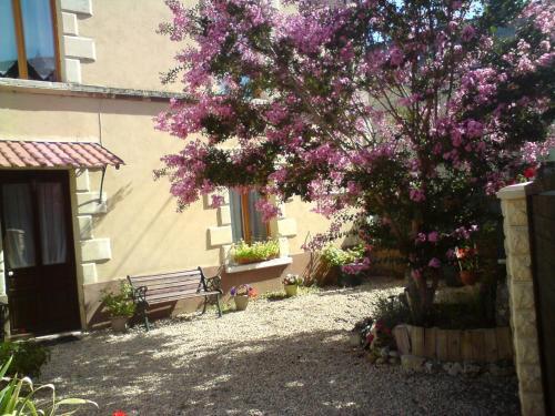 Hotel Pictures: , Brion-près-Thouet