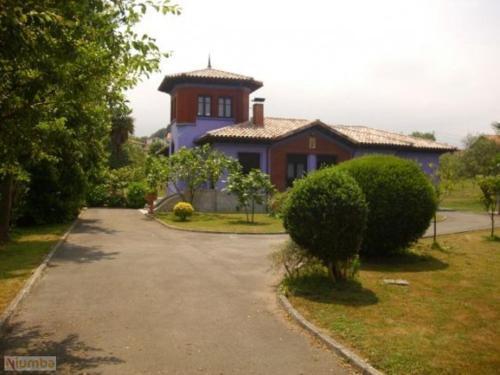 Hotel Pictures: Villa Maria, poo de Llanes