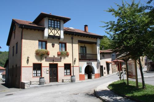 Hotel Pictures: , Pola de Laviana