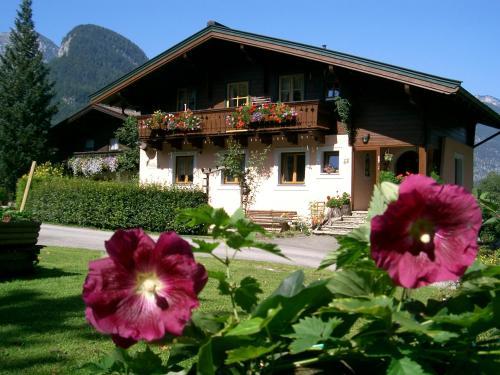 Hotellikuvia: Ferienwohnung Waldhäusl, Sankt Martin bei Lofer