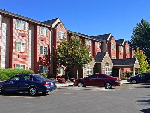 Motel 6 Meridian