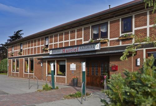 Hotel Peters Bahnhofstr  De  Wingst