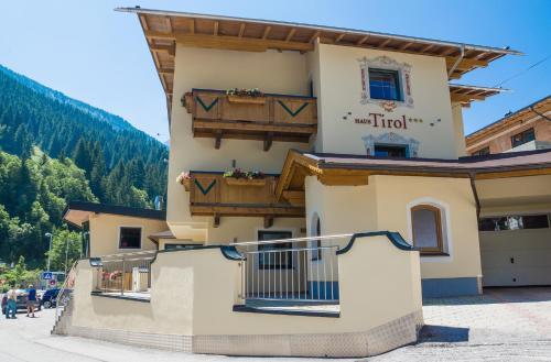 Hotelbilleder: Haus Tirol, Tux