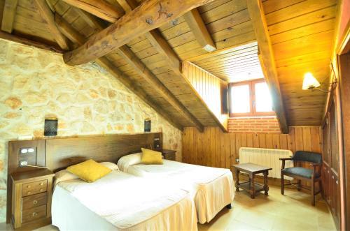 Hotel Pictures: , Fresneda de Cuéllar