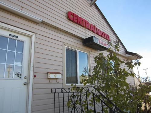 Hotel Pictures: Central Motel, Dawson Creek