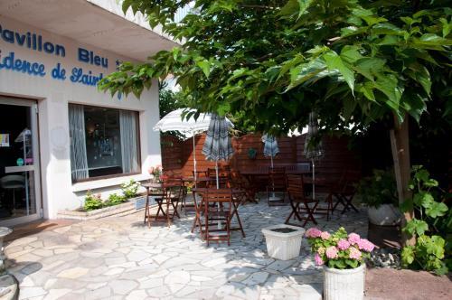 Hotel Pictures: Le Pavillon Bleu Hotel Restaurant, Royan