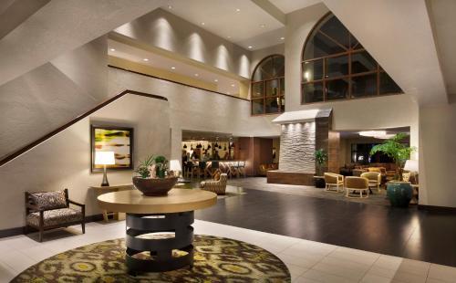 Embassy Suites Phoenix - Tempe