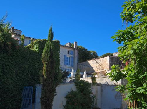 Hotel Pictures: , Taillebourg