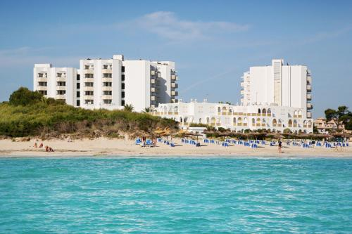 Hotel Pictures: Hipotels Bahía Grande Aparthotel, Cala Millor
