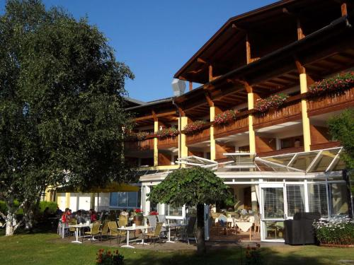 Hotel Pictures: Alpenhof Brixen, Brixen im Thale