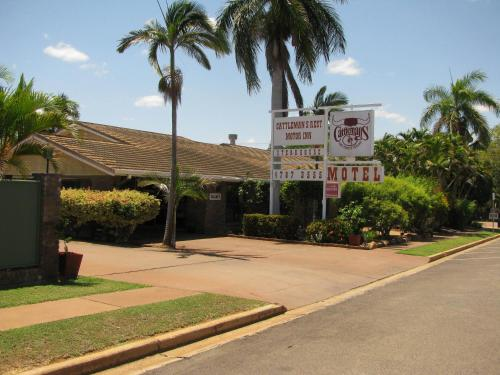 Hotel Pictures: Cattleman's Rest Motor Inn, Charters Towers