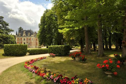 Hotel Pictures: Hôtel Club Vacanciel La Ferté Imbault, La Ferté-Imbault
