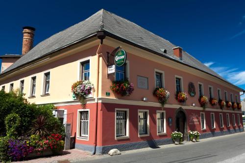 Hotellikuvia: Gasthof Bräuer - Familie Eibensteiner, Weißkirchen in Steiermark
