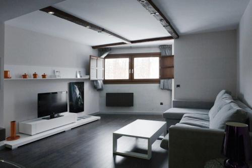 Hotel Pictures: Apartamentos Turísticos Real de Priego, Priego